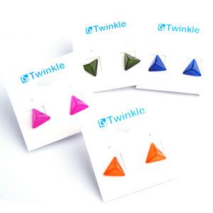 피라미드 포스트 귀걸이 E041